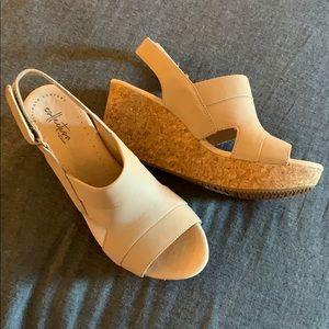 NWT Clark's Wedge Sandal - size 9